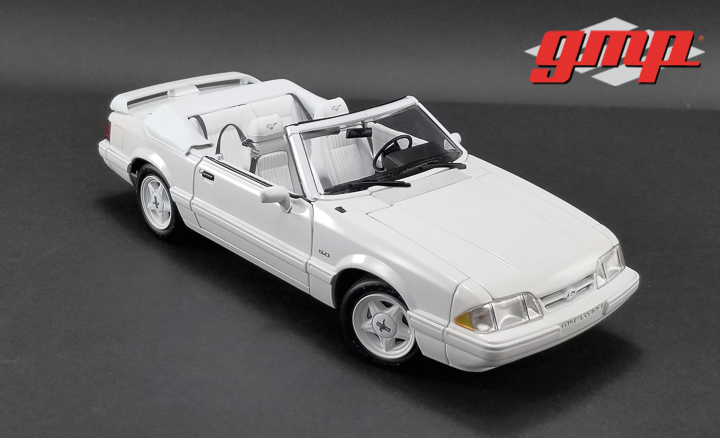 1:18 GMP 1993 Ford Mustang LX Convertible - Vibrant White with White Interior - Ford Feature Edition