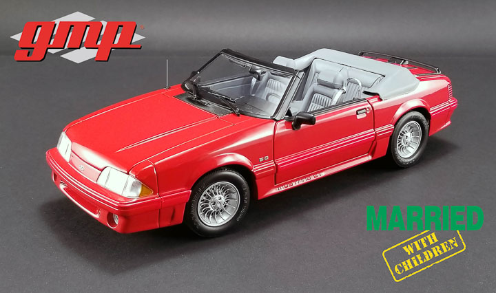 1:18 Married with Children (1987-97 TV Series) - 1988 Ford Mustang 5.0 Convertible