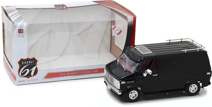 HWY-18002 - 1:18 Highway 61 - 1:18 1976 Chevrolet G-Series Van - Black